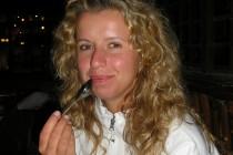 http://salongfresh.ee/wp-content/uploads/2012/08/Merje-juuksed-enne-püsisirgendust.jpg